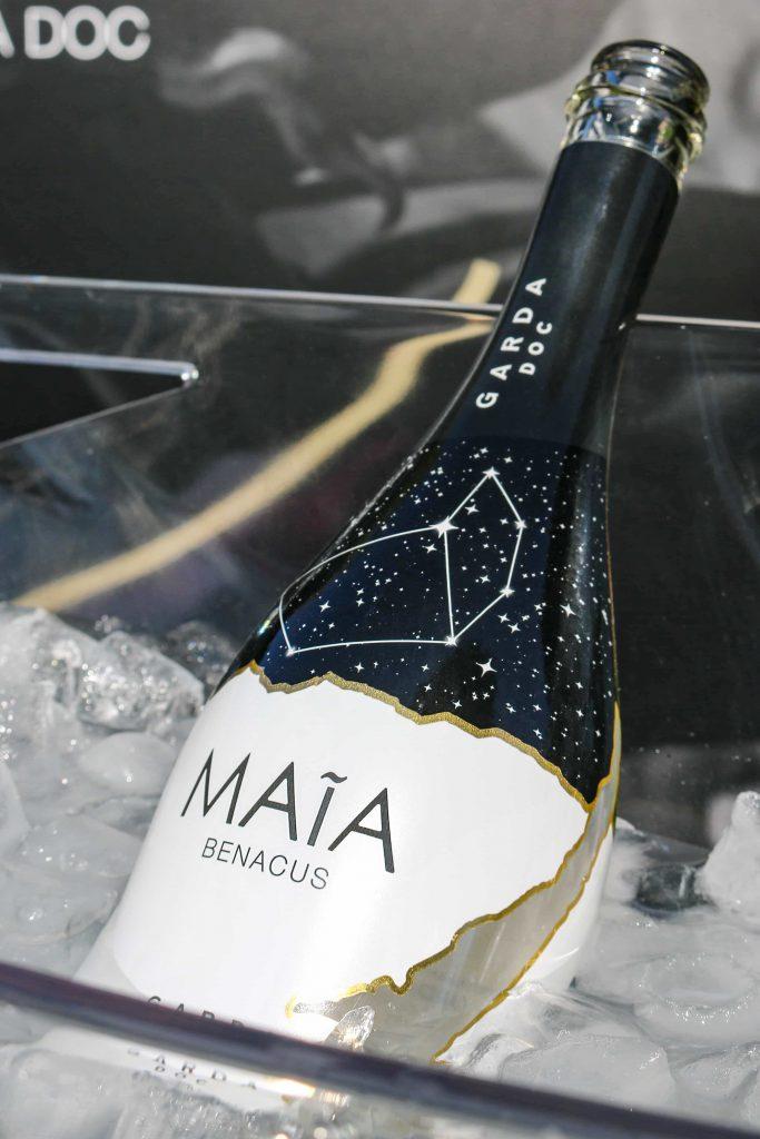 bottiglia maia benacus in ghiaccera