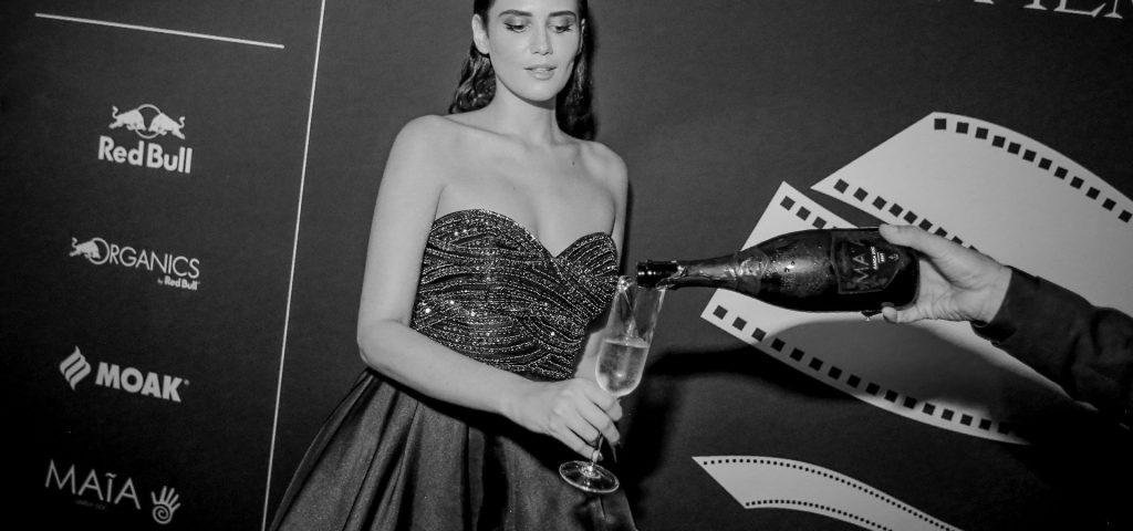 donna dello spettacolo con maia wine al festival del cinema di venezia